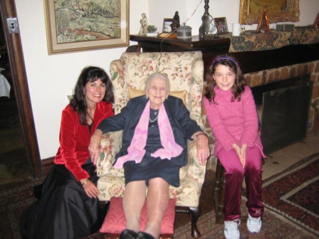 JOgeil&Dame Elisabeth Murdoch, Arianna11July2010